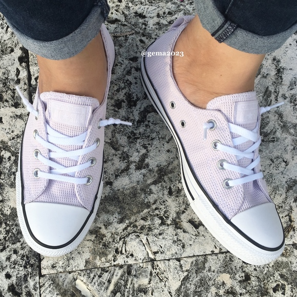 02a91024a2d3 Converse Women s Chuck Taylor All Star Shoreline